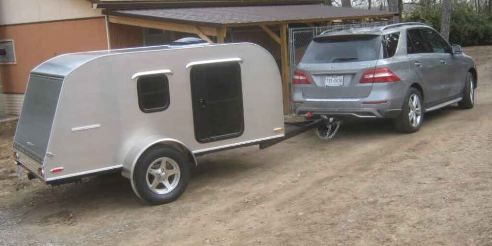 5x10 teardrop camper on the move